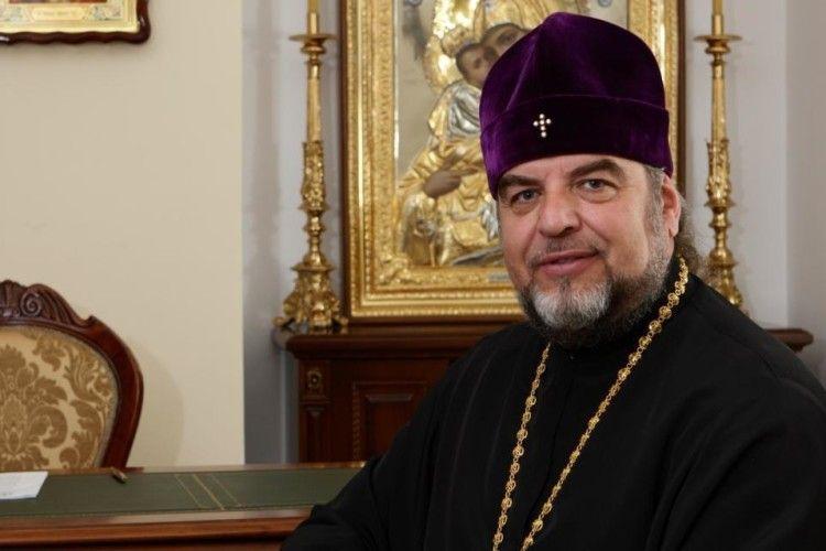 Прихожани кафедрального собору у Вінниці підтримали перехід митрополита Симеона до Православної церкви України (відео)