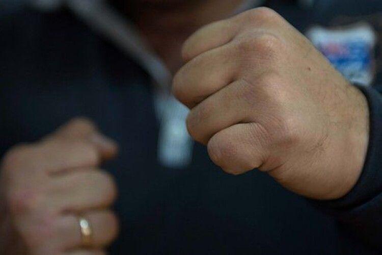 Тримають у страху декілька сіл: на Волині поліція розшукує організатора злочинної банди (Фото)
