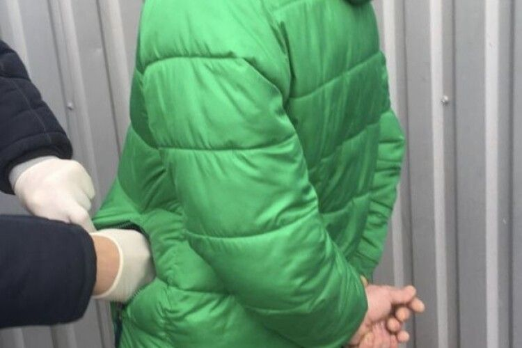 Двоє селян на Волині активно торгували марихуаною. Тепер їм загрожує тюрма (Фото)