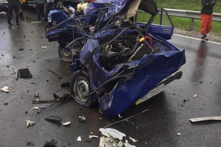 Зіткнулось 5 авто: на Львівщині у ДТП загинула мешканка Волині