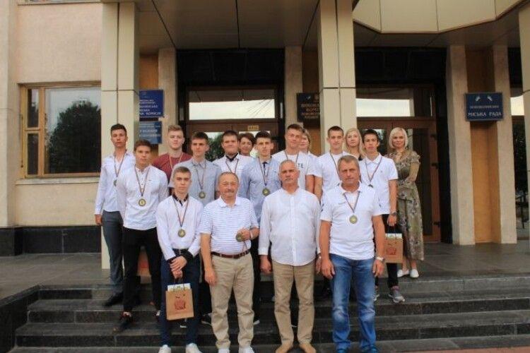 Нововолинські гандболісти – бронзові призери Чемпіонату України