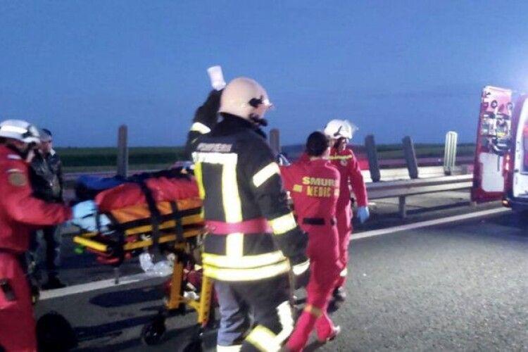 Автобус з українцями потрапив у ДТП в Румунії: одна людина загинула, 15 – госпіталізовані (Фото)