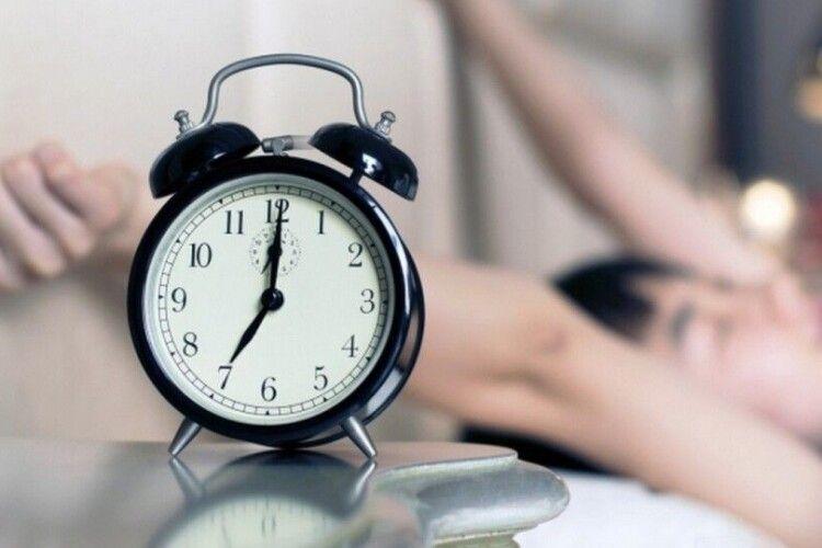 Можуть скасувати сезонне переведення годинника. За яких умов?