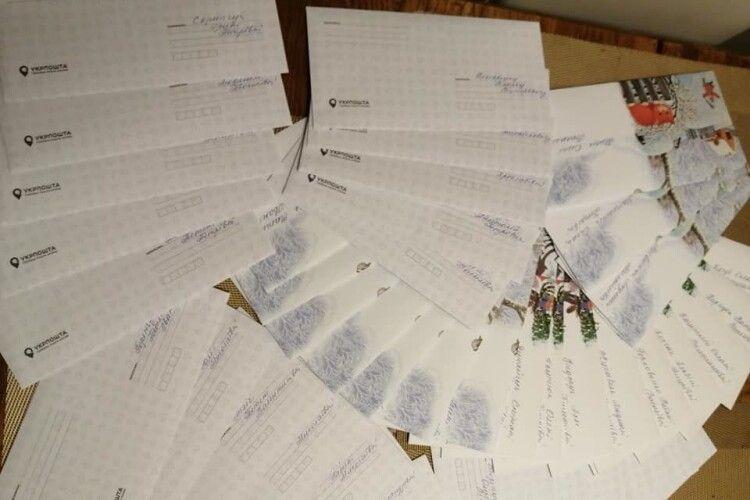 На Волині благодійники дали по 1000 гривень медикам, що працюють з хворими на на COVID (Фото)