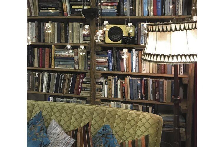 Книгарню кафе поповнить… іваничівський фермер