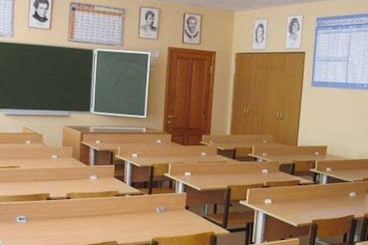 Понад 30шкіл, допівтора десятка садочків — на карантині