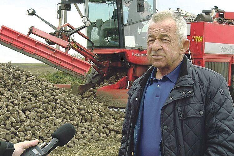Вищий пілотаж сільського господарства у «Городищі»: податки, благодійність і буряки (Відео)