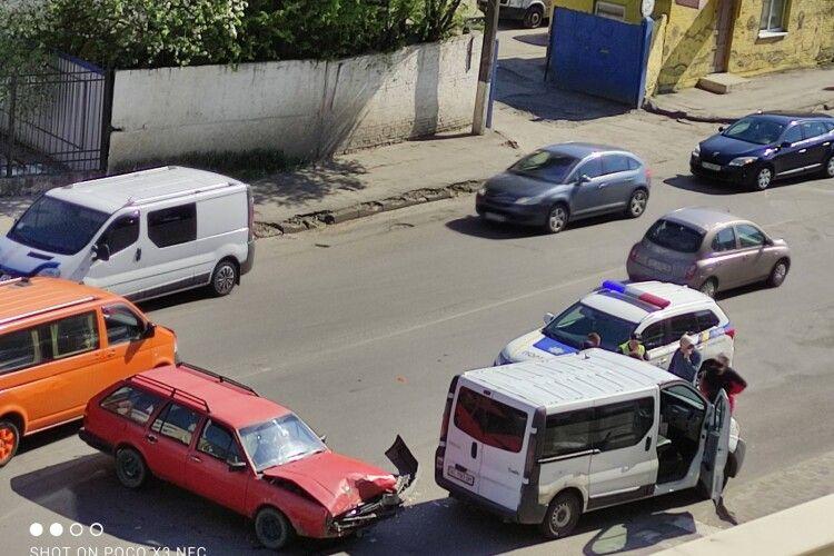У Луцьку на Яровиці – аварія (Фото)