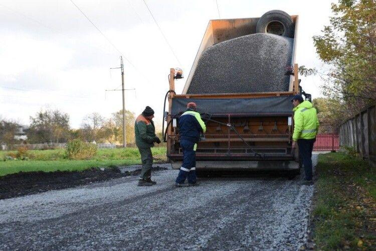 У Луцьку триває капітальний ремонт доріг та прибудинкових територій