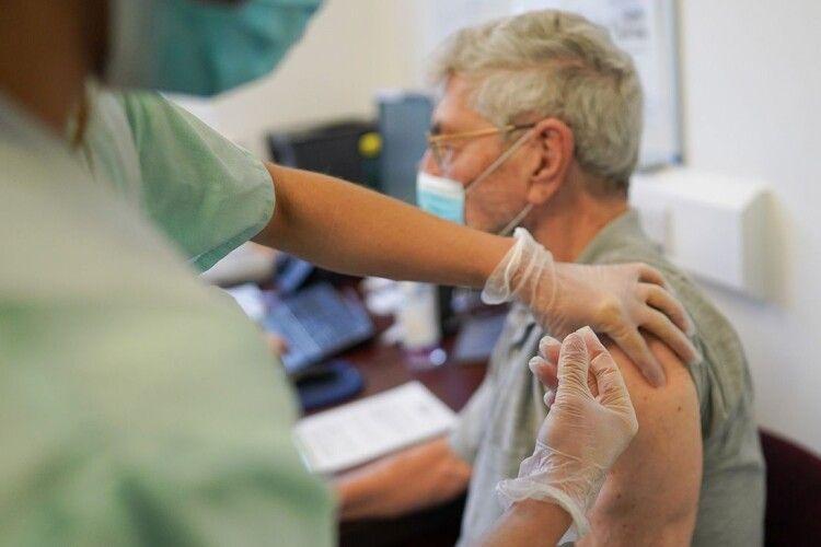 У Німеччині протягом дня зробили понад мільйон щеплень від коронавірусу