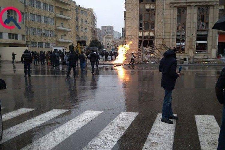 У центрі Баку стався вибух – є поранені