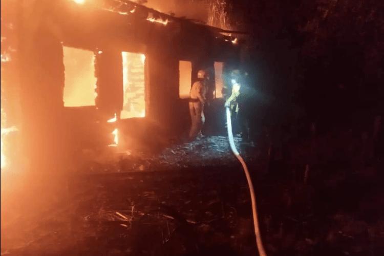 Згорів заживо: на Рівненщині під час пожежі загинув власник будинку (Фото)