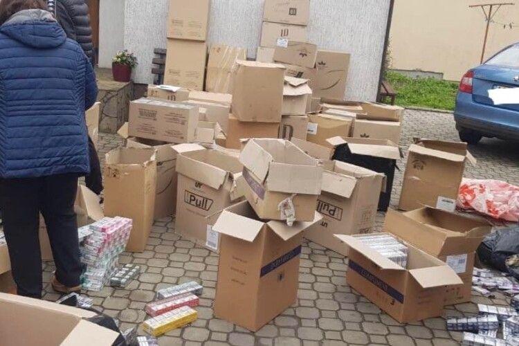 Із осель волинян вилучили контрафактний алкоголь та цигарки вартістю 1,5 мільйона гривень (Фото)
