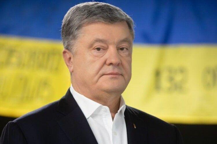 Порошенко вимагає провести розслідування, хто залишив українську армію без харчування