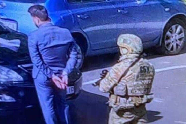 Впіймали на хабарі голову Одеської митниці