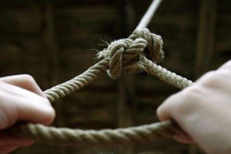 На Одещині молодший брат знайшов повішеним 14-річного хлопця