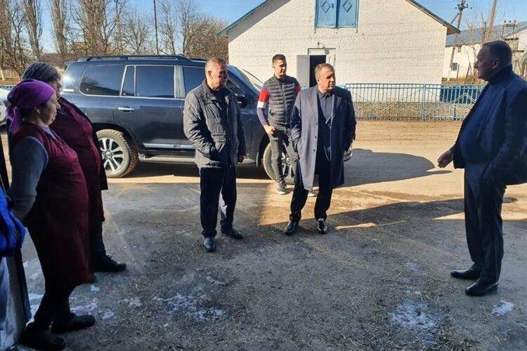 Чиновники відвідали волинське господарство, три доярки якого отримали ордени княгині Ольги (Фото)