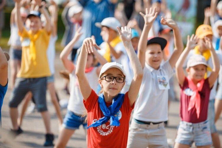 Літні табори для дітей працюватимуть, але за новими правилами