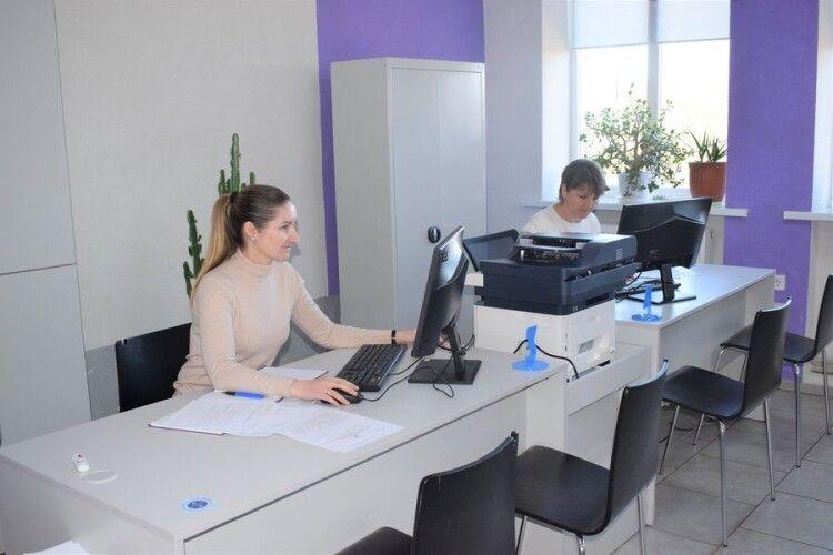 У волинському селі для ЦНАПу закупили комп'ютери