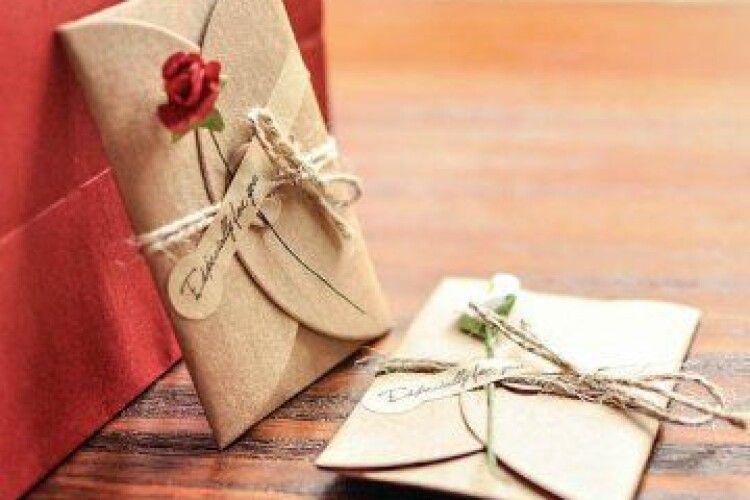 На Волині електронні повідомлення перетворять на паперові «листи любові»