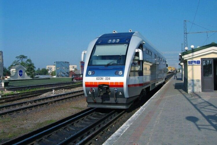 Потяг до Хелма не відновлять через дизпаливо