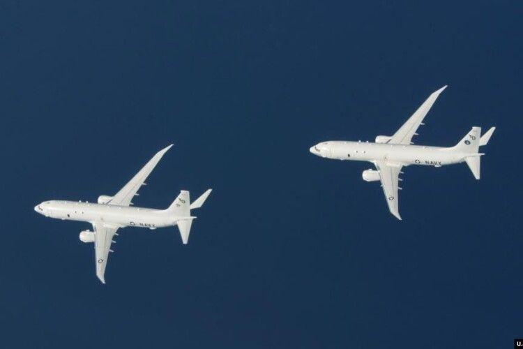 Два літаки США провели розвідку біля узбережжя окупованого Криму