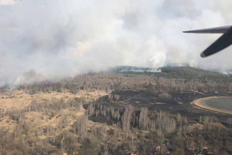 У Чорнобильській зоні горить ліс, залучили авіацію