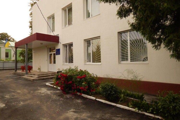 Елітна квартира в Луцьку, земля дружини в Крупі і 6300 доларів готівки: статки нового судді Горохівського суду