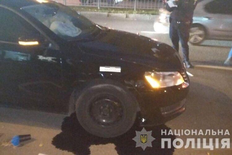 Поліція повідомила про підозру іноземцю, який збив трьох людей на острівці безпеки в Харкові