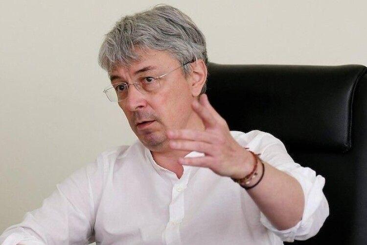 Міністр культури Олександр Ткаченко заявив про свою незгоду із відстороненням 12-річного волинянина Максима Ткачука від участі в дитячому «Євробаченні»