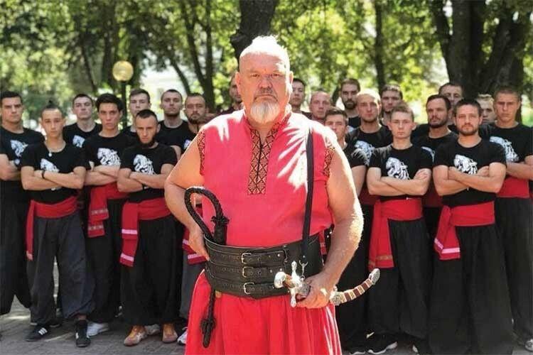 Відродити бойовий гопак його спонукали нащадки японських самураїв
