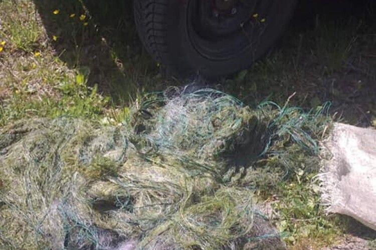 Рибоохоронний патруль вилучив півтисячі метрів сіток поблизу села Піща Шацького району