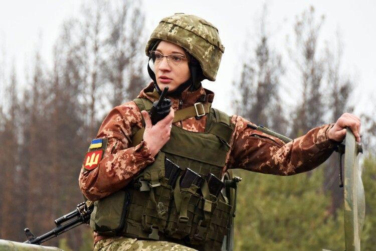 25-річна військова разом з чоловіком служить у 14 ОМБр