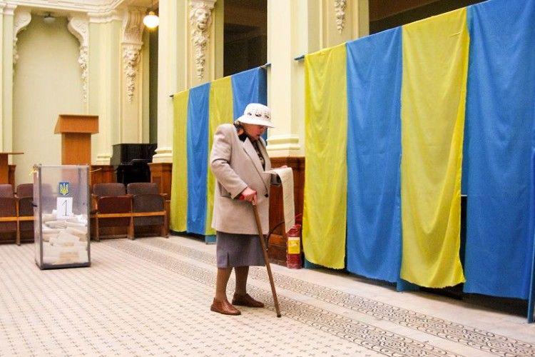Українці на виборах можуть змінювати місце голосування без зміни «прописки»