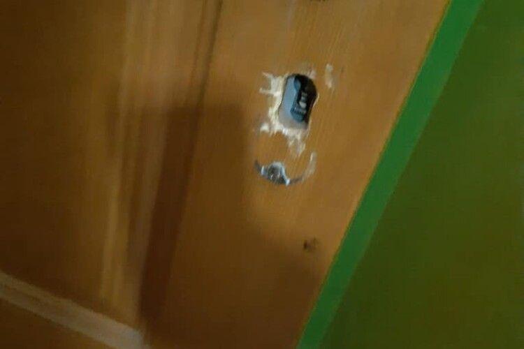 У Рівному завдяки пильності сусідки злапали «на гарячому» квартирного злодія (Фото)