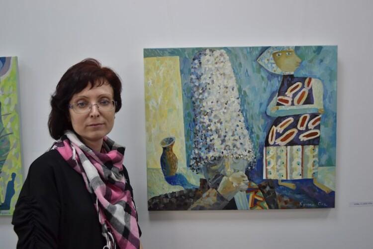 У Луцьку відкрили виставку художниці трьох кольорів