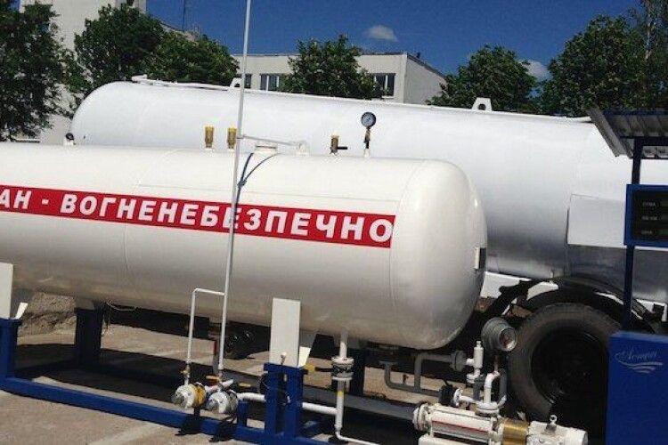 В Україні продовжують скаженіти ціни на автогаз