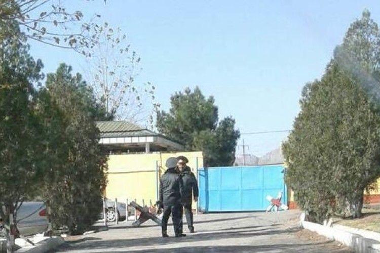 Кількість загиблих під час придушення бунту в колонії у Таджикистані зросла до 27, близько сотні людей поранено