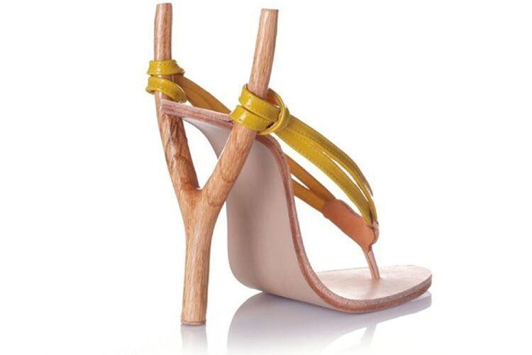 Хорошим жінкам вилазять наголову ізвішують ноги