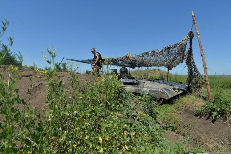 Бойовики на Донбасі застосували стрілецьку зброю, українські воїни не реагували