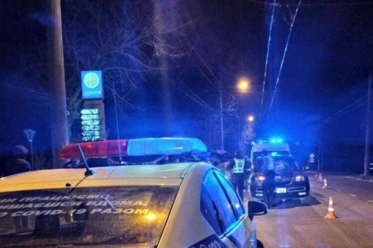 Посеред дороги кришка люка вилетіла з-під коліс і вбила 10-річного хлопчика