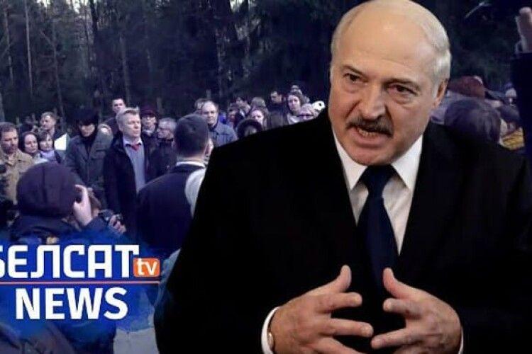 У Білорусі «Белсат» і його соцмережі визнали екстремістськими: за репост – арешт