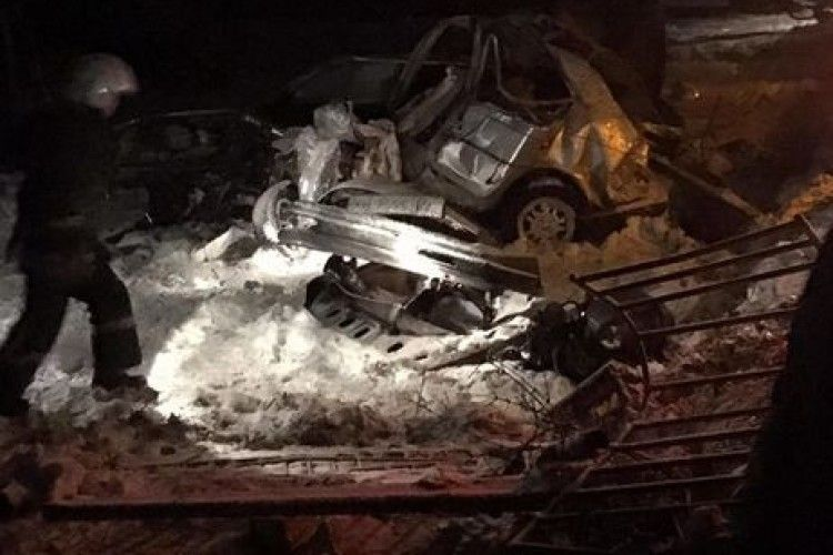 У Львівській області автобус зіткнувся з легклвиком - загинуло чотири людини