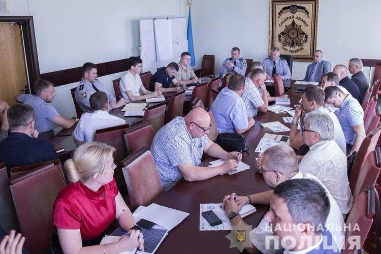 У Києві правоохоронці обговорили питання взаємодії при перевірці повідомлень про замінування в Луцьку