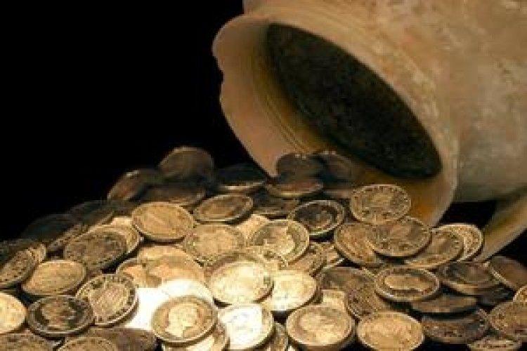 У Польщі в соборі знайшли золоті скарби XVII століття