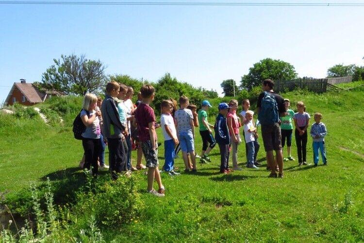 Школярі з Олики трохи помандрували Цуманською пущею (фото)