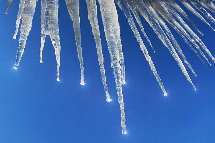 Погода на суботу, 20 березня: з дахів капатиме, але й за ніс цапатиме