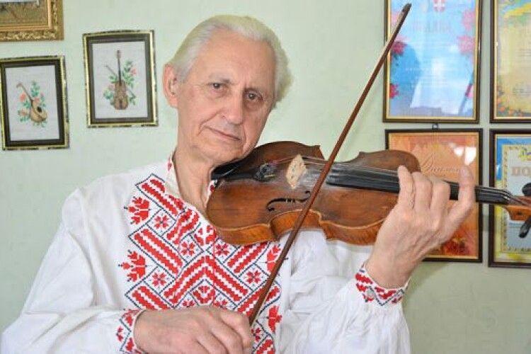 Викладачу Ковельської школи мистецтв Михайлу Тлумаку призначено персональну стипендію