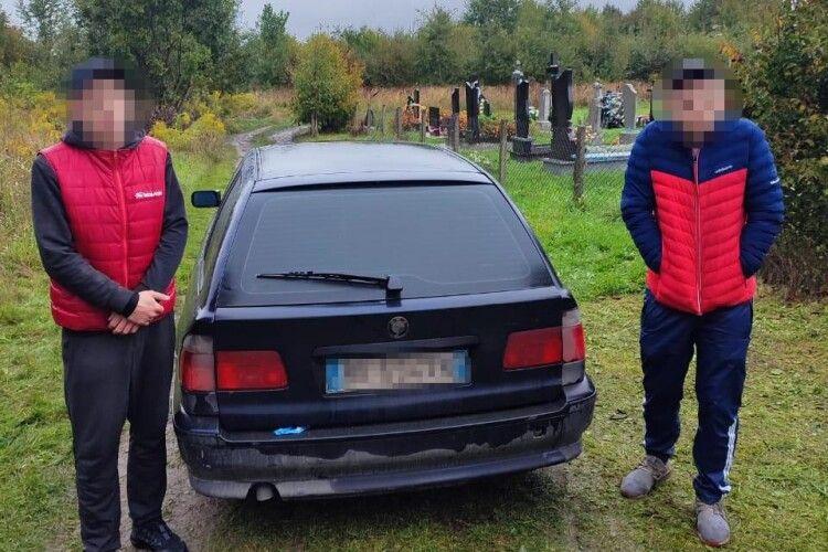До кладовища під Луцьком посунули наркомани