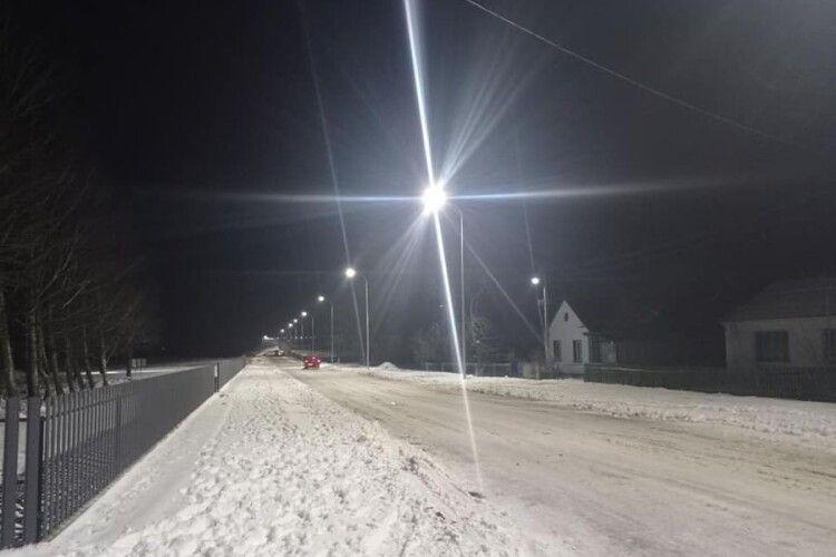 У поліському селі встановили освітлення
